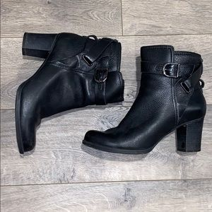 Black leather Clark's ankle moto boots